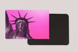 STATUE OF LIBERTY PINK MAGNET